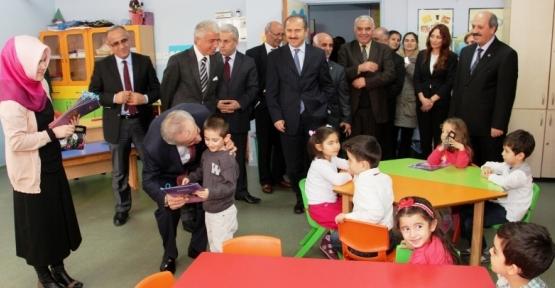 Ataşehir'de 'Kaymakam'la Yarıyıl Karne Töreni
