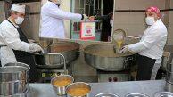 Ataşehir'de Yaşlılar İçin Yemek ve Ekmek Hizmeti Başladı